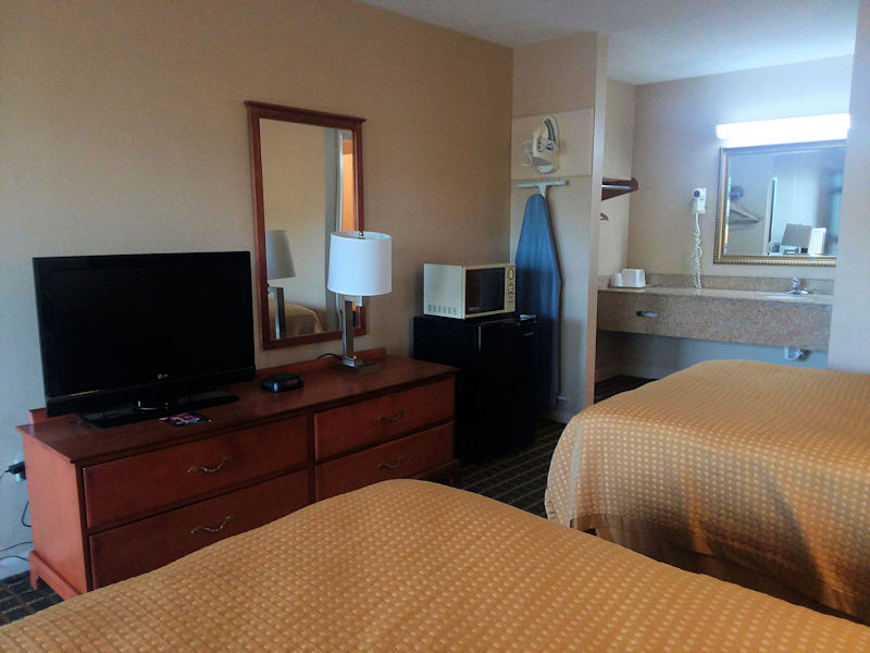 Double Beds Rooms at University Inn 7