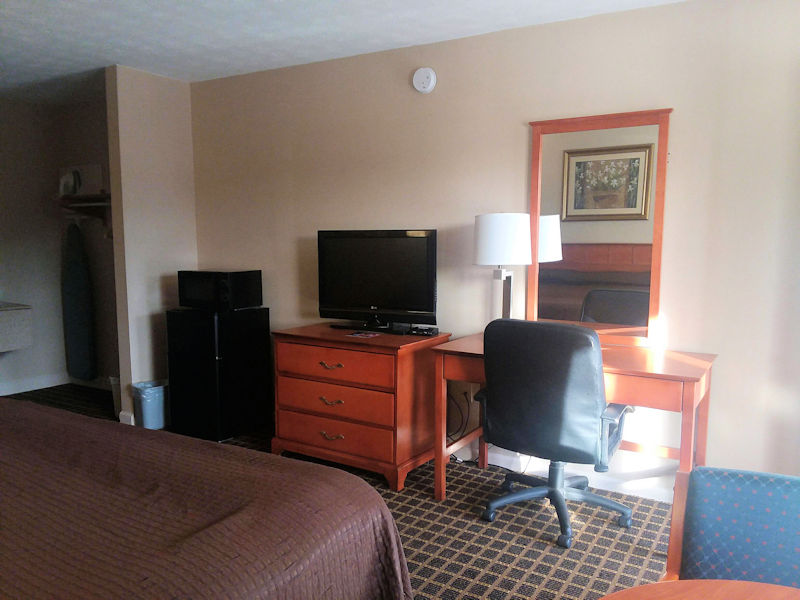 King Size Rooms at University Inn 2